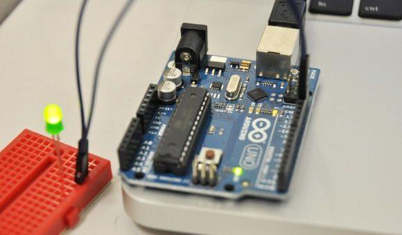 FabLab Firenze introduce Raspberry Pi e Arduino
